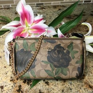 New with Tags!!! Beautiful Coach Pouchette